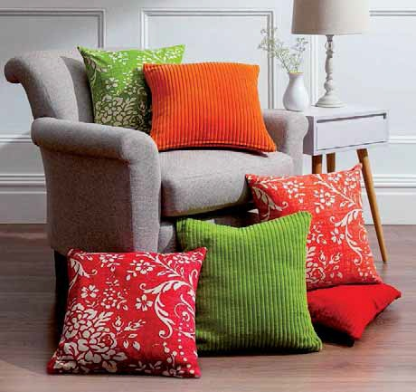 Poduszka w kwiaty F&F Home